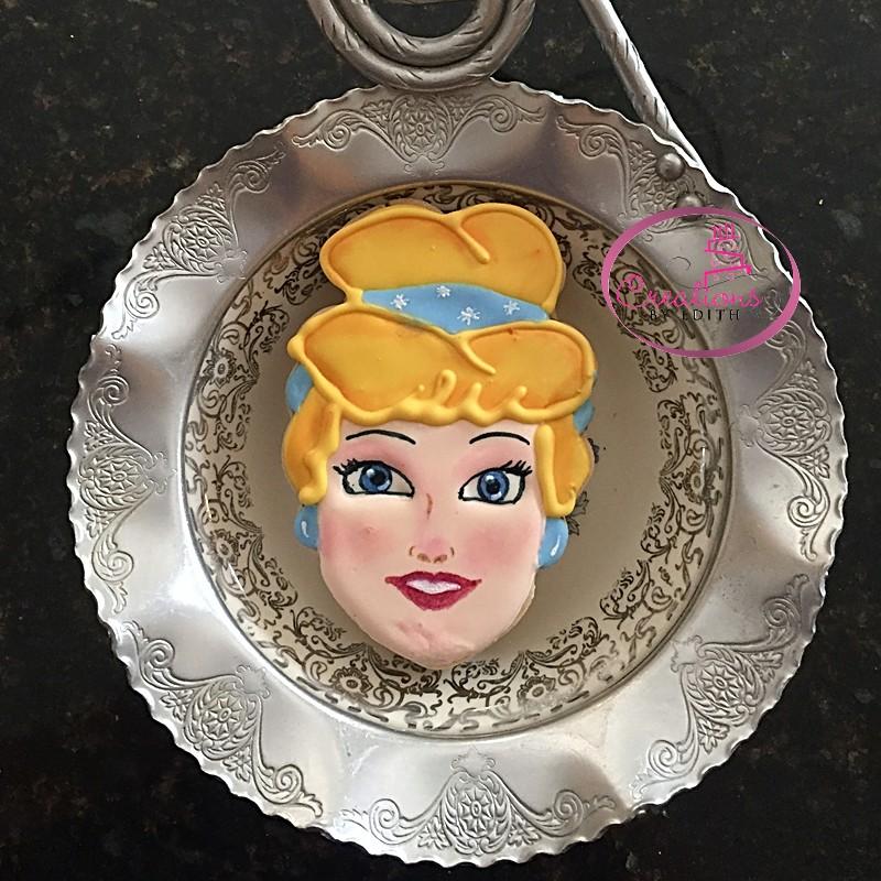 Cinderella cookie